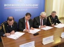 13-02-15 Wroclaw - podpis dodatku (3)