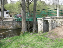 Zrekonstruovaný hraniční most Bartošovice - Niemojów