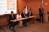 03 Diskusní panel na téma budoucnost dotačních prostředků z Evropské unie